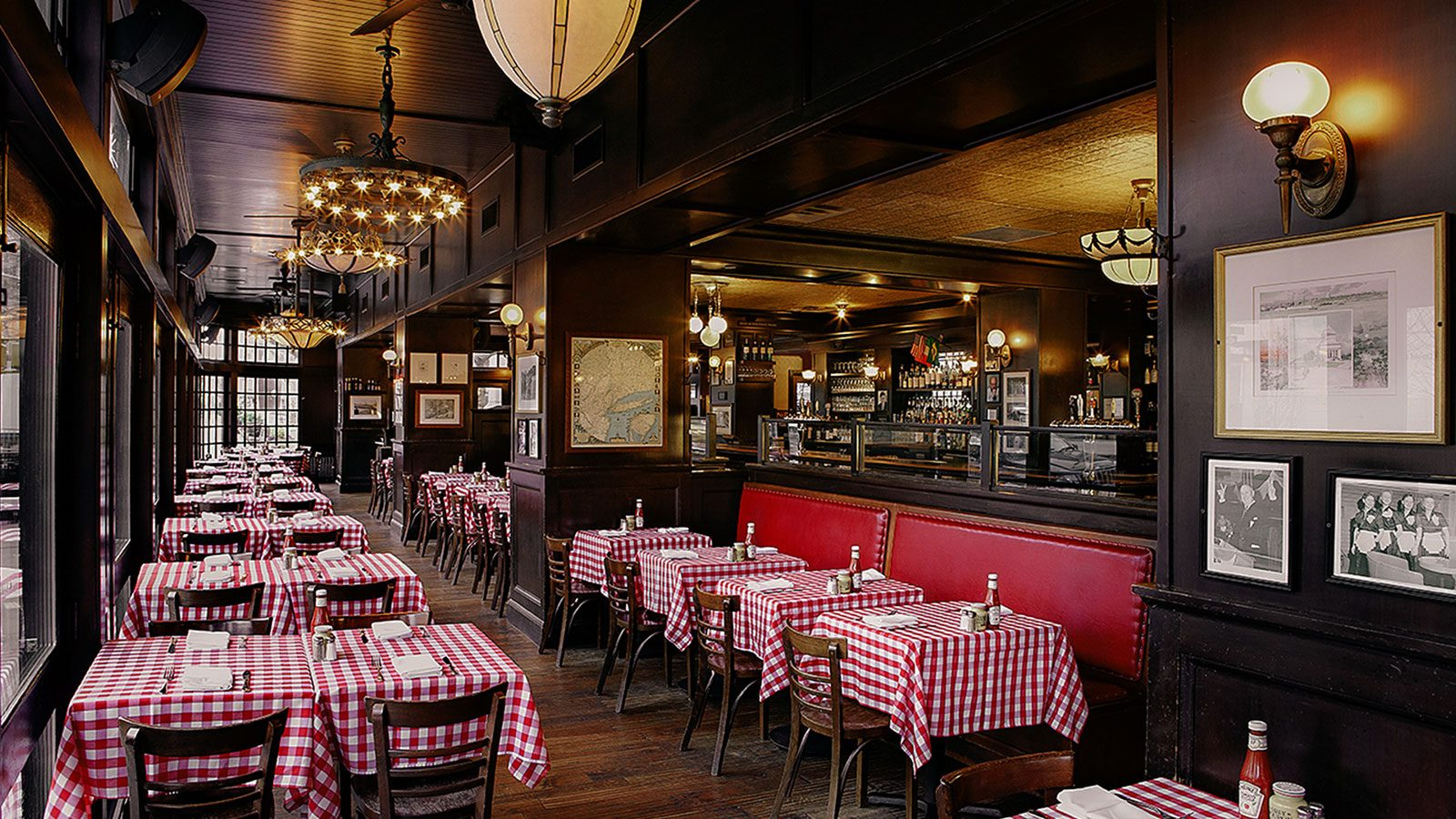 PJ Clarkes Restaurant And Bar